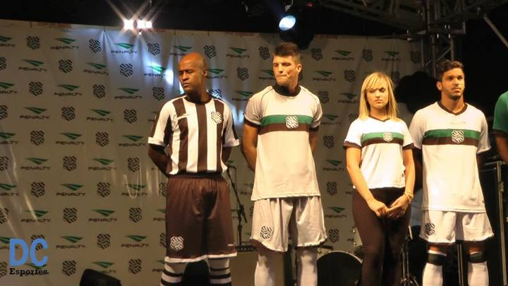 Lançamento dos uniformes para o ano de 2014 do Figueirense