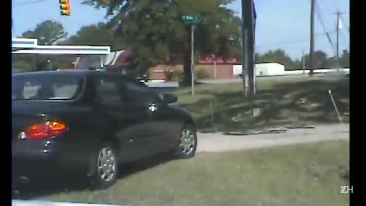 Vídeo mostra prisão de suspeito da chacina de Charleston