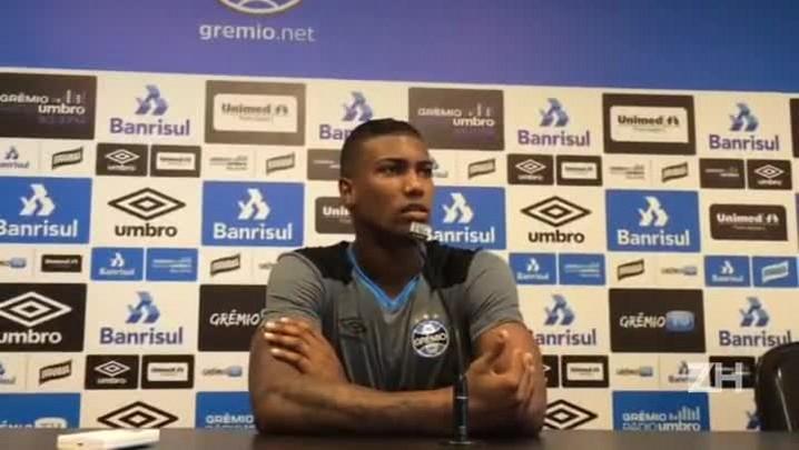 Walace elogia trabalho de Roger no Grêmio