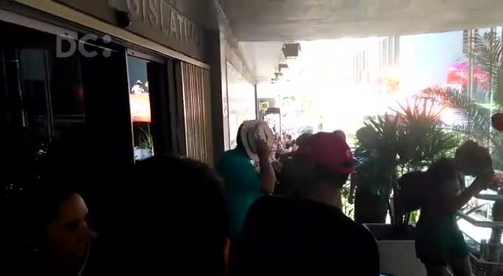 Guarda Municipal usa gás de pimenta contra servidores municipais de Florianópolis
