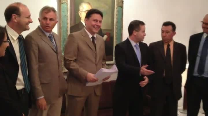 Piratini entrega 20 projetos e anuncia mais 10