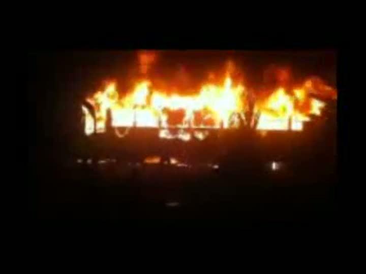 Imagens de fogo em ônibus em São Francisco do Sul