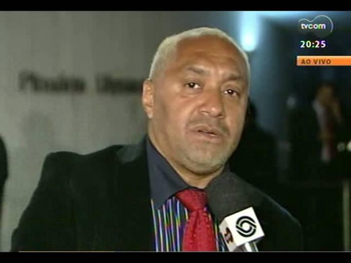 TVCOM 20 Horas - Deputado Tiririca fala da interminável votação da MP dos Portos - Bloco 3 - 15/05/2013