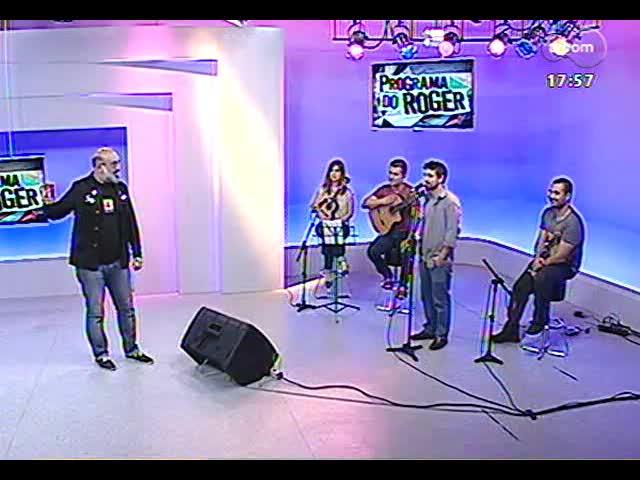Programa do Roger - Músico Paulinho Parada lança disco \'Expressão de compositor\' - blobo 2 - 20/11/2013