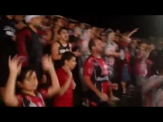 Torcedores apoiam o Joinville na Arena