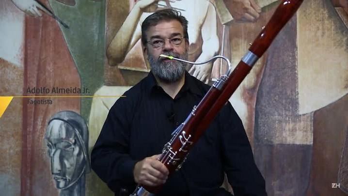 Músico apresenta o fagote