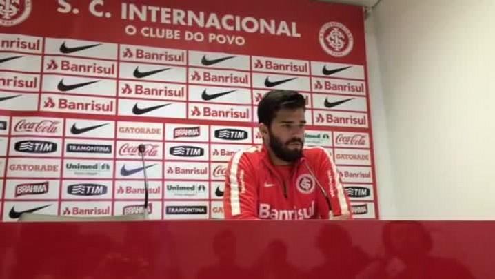 Alisson fala sobre jogo contra o Tigres