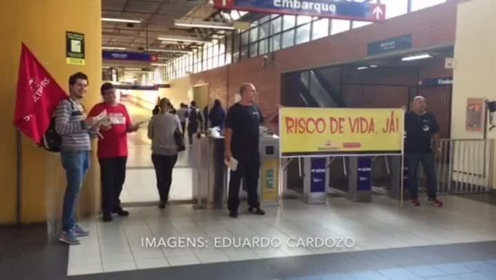 Metroviários protestam na estação São Leopoldo da Trensurb