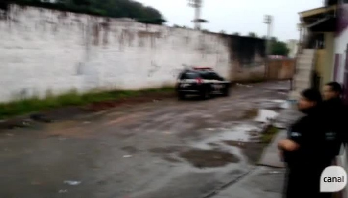 Polícia realiza operação em bairro de Caxias do Sul