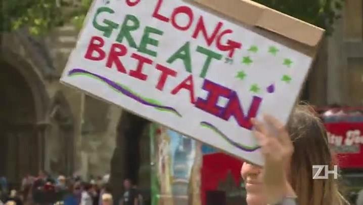Mais de dois milhões de britânicos pedem segundo referendo
