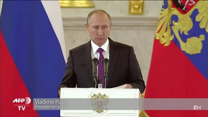 Putin fala em \'restaurar\' relações com os EUA