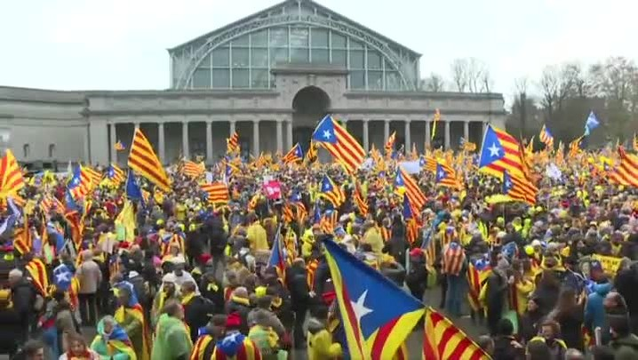 Milhares marcham em Bruxelas por independência da Catalunha