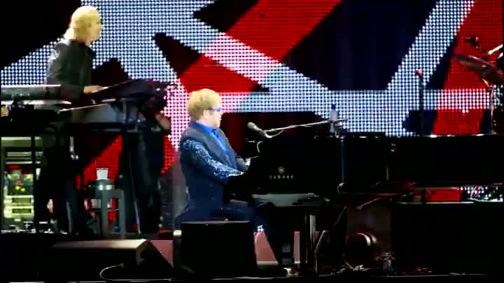 Assista a um trecho do show de Elton John em Porto Alegre