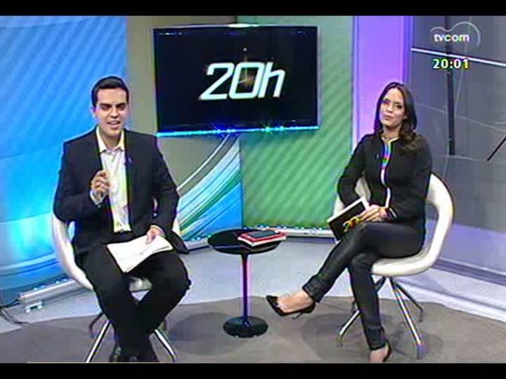 """TVCOM 20 Horas - Especial \""""1 ano para a Copa\"""": acompanhe o passeio de Léo Saballa Jr pelas obras do estádio Beira-Rio - Bloco 1 - 12/06/2013"""