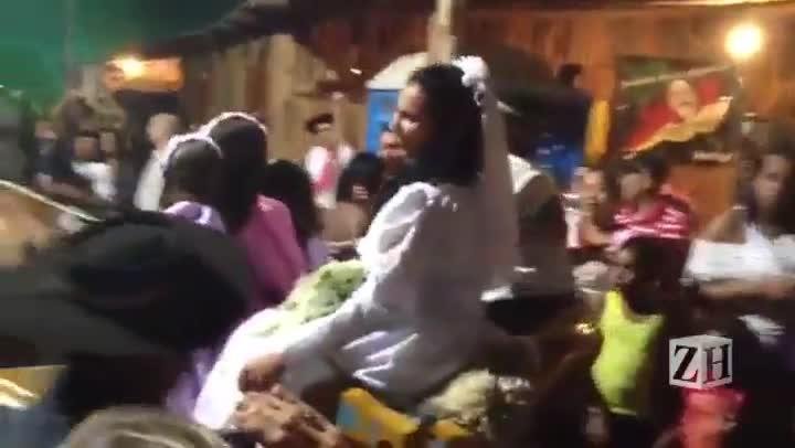 Casamento campeiro na Fazendinha no Acampamento Farroupilha