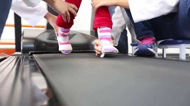 Projeto da Udesc ajuda crianças e adolescentes a voltar a caminhar