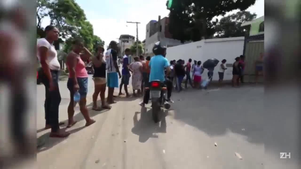 Imagens mostram fila para buscar água potável em Governador Valadares