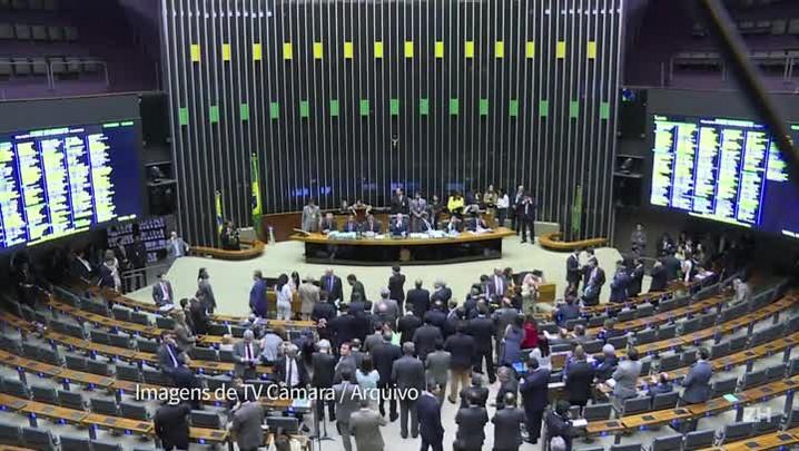 Dilma é notificada sobre impeachment