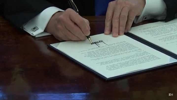 Conselheiro de Segurança de Trump renuncia