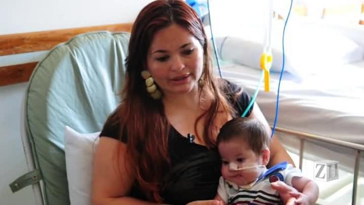 Bebê completa 10 meses em hospital e aguarda transferência para casa