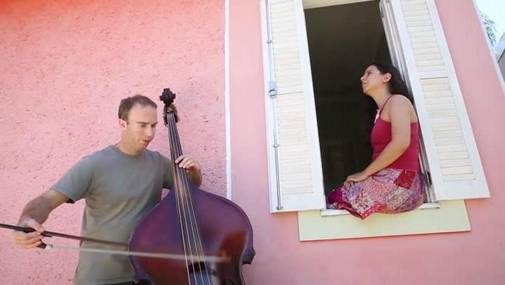 Música Insinuada - Duo A Corda em Si faz combinação inusitada e sensorial entre contrabaixo e voz