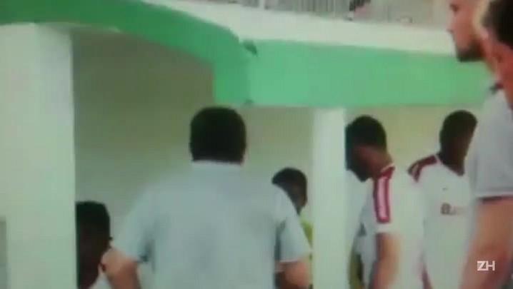 Imagens mostram zagueiro Paulão atirando objeto contra torcida do Brasil-Pel
