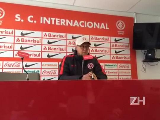 Antes de viajar para Campinas, Falcão fala sobre o jogo contra a Ponte Preta