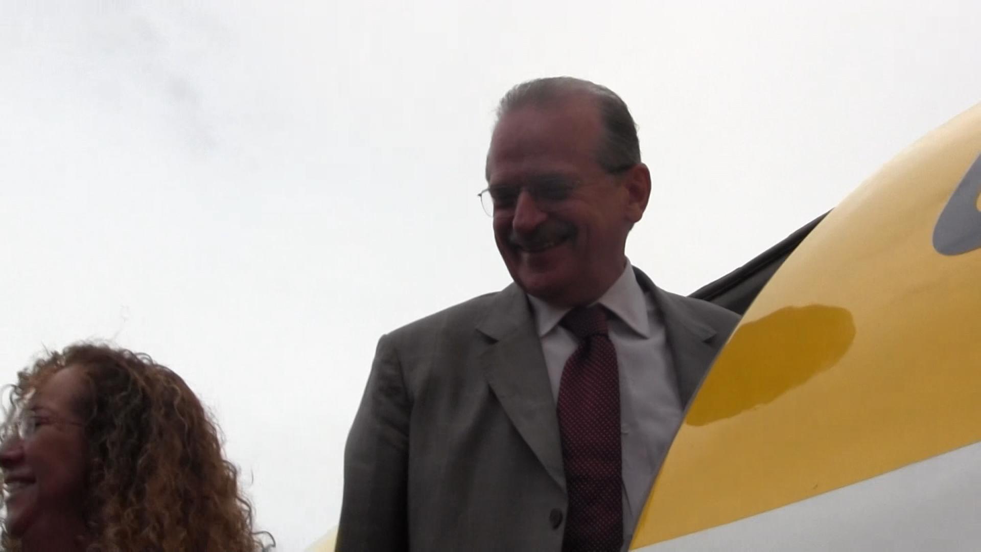 Tarso Genro participa do primeiro voo Porto Alegre-Montevidéu