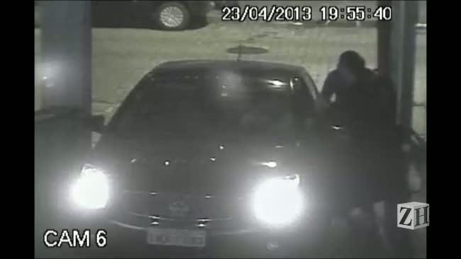 Assalto de carro na rua Nunes Machado