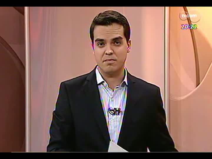TVCOM 20 Horas - Entrevista com o homem que resistiu à reintegração de posse da Prefeitura de Porto Alegre - Bloco 3 - 23/05/2013