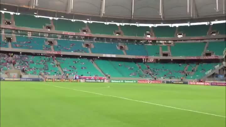 Torcida já está presente para Bahia x Grêmio na Fonte Nova - 11/08/2013