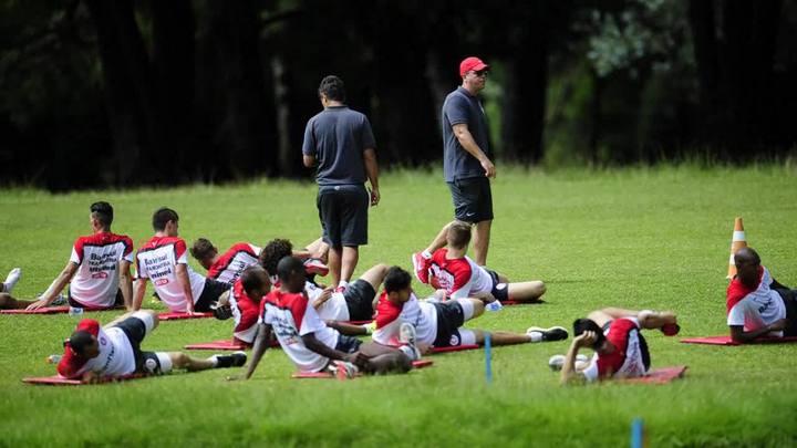 Inter faz o primeiro treino em Gramado