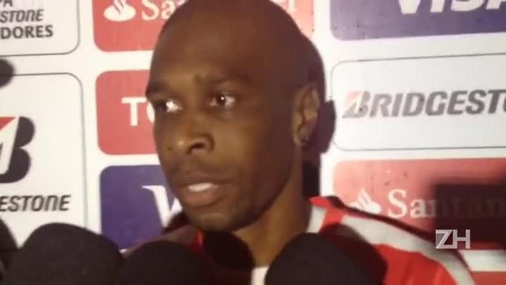 """Juan fala em \""""campo difícil\"""" e admite gosto amargo do empate"""
