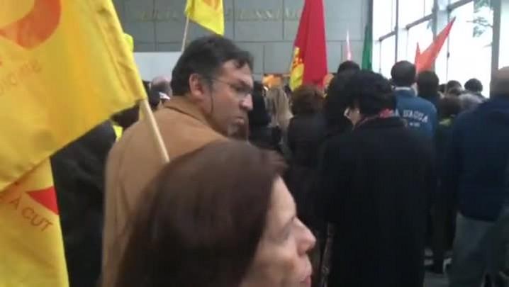 Servidores protestam em votação do orçamento na Assembleia