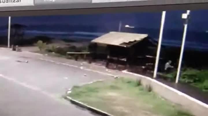 Vandalismo na Praia Brava, em Itajaí