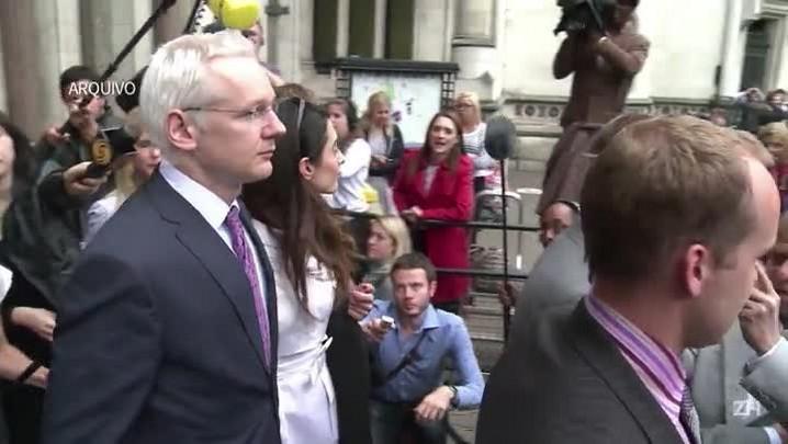 Acusações de agressão sexual contra Assange prescrevem