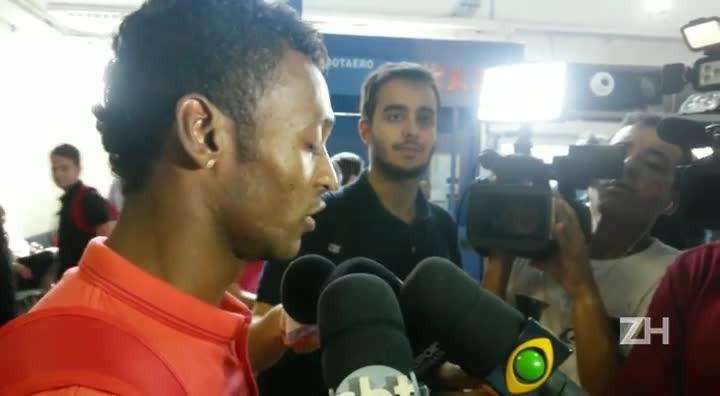 Marquinhos defende Argel e diz que responsabilidade por momento é dos jogadores