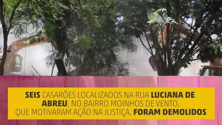 Casarões da Rua Luciana de Abreu começam a ser demolidos em Porto Alegre