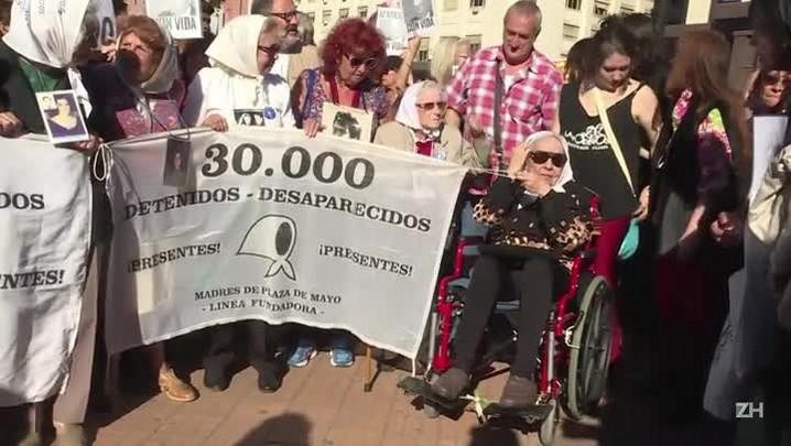 Mães da Praça de Maio, na Argentina, completam 40 anos