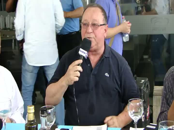 Pedro Ernesto Denardin comanda o Sala de Redação diretamente da Arena do Grêmio