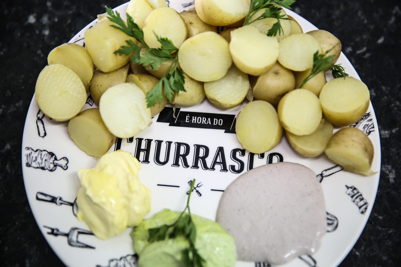 Kit Fim de Semana Gourmet - Receita: salada de batata com molhos de maionese