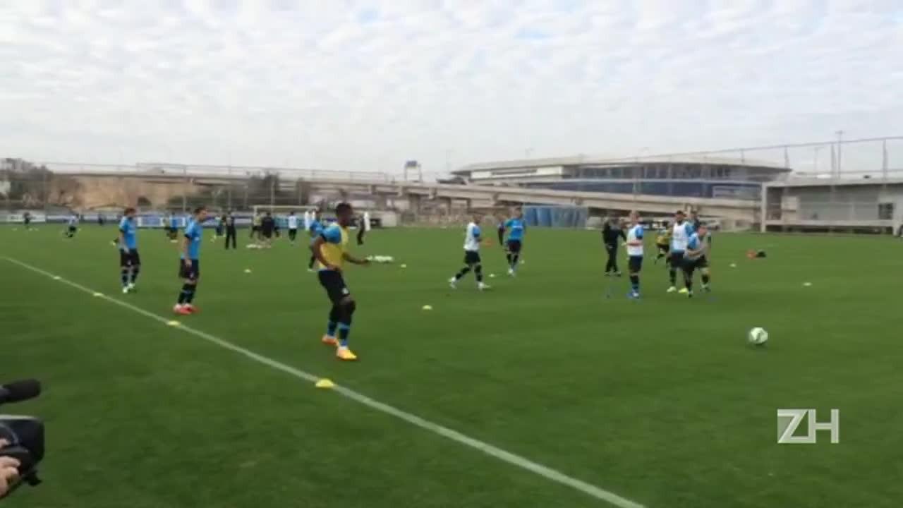Quarta-feira de treino intenso no CT Luiz Carvalho