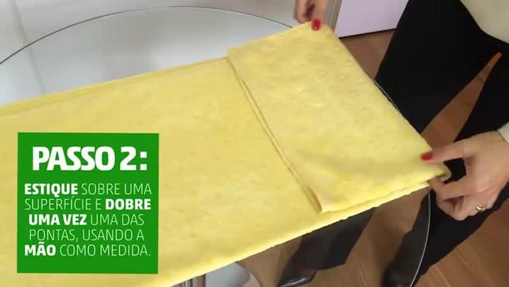Como guardar toalhas em rolinhos e economizar espaço