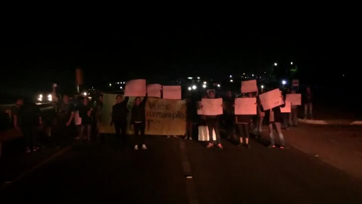 Protesto pede mais iluminação na BR-158