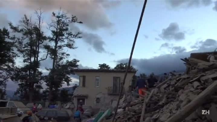 Forte terremoto mata dezenas de pessoas na Itália