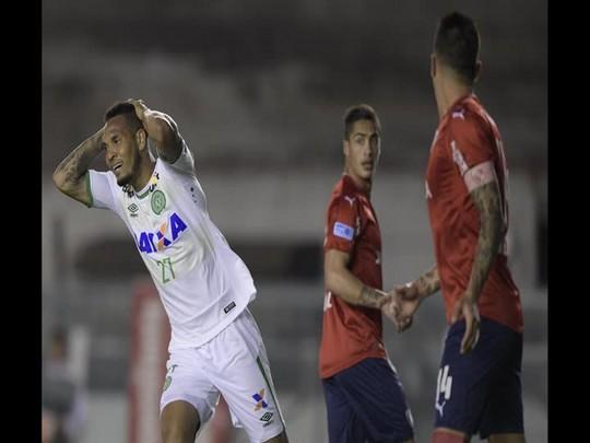 Zagueiro Willian Thiego comenta empate com o Independiente e projeta os próximos jogos