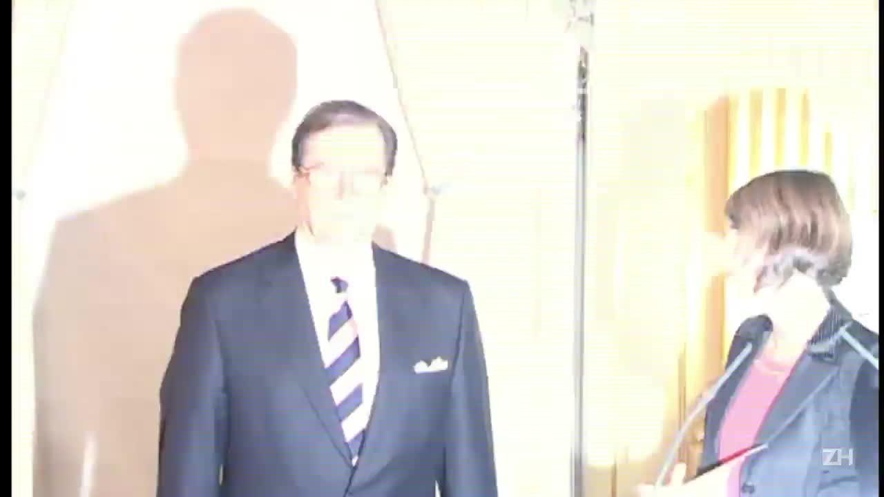 Morre Roger Moore, intérprete de James Bond
