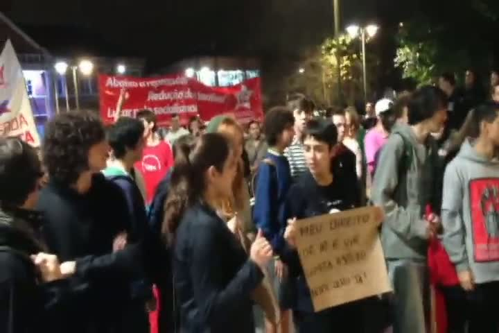 Confira imagens do protesto em Joinville