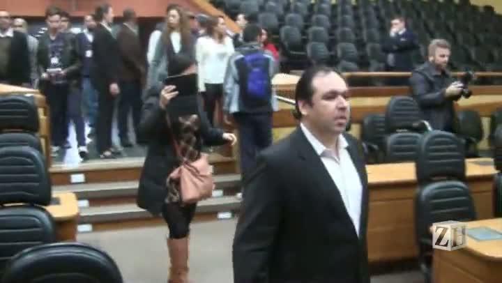 Últimos momentos dos manifestantes na Câmara de Vereadores