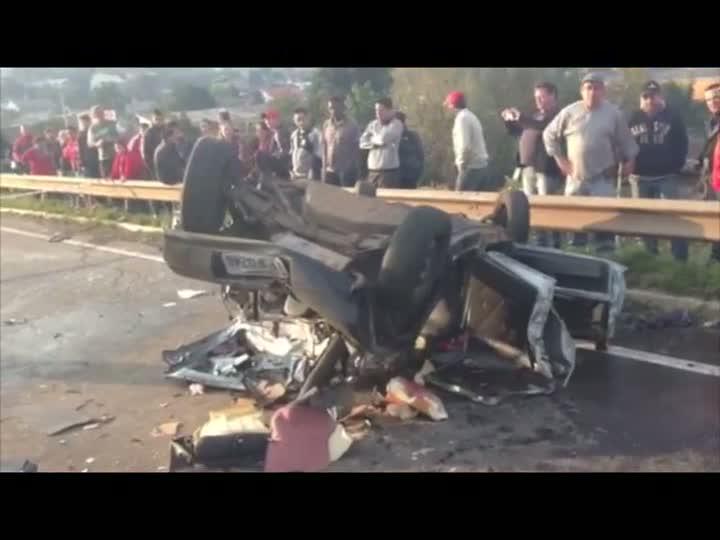 Acidente deixa três mortos na RS-239 em Novo Hamburgo. 02/08/2013